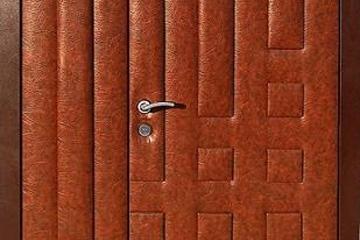 Обшивка дверей кожвинилом